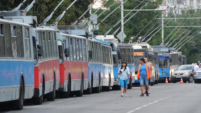 Schaffner versteckt Bombenattrappe in O-Bus – Geldbuße oder Gefängnis für arbeitsfreien Tag