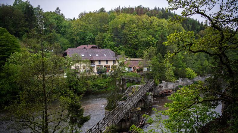 Neue Erkenntnisse im Armbrust-Fall von Passau: Staatsanwaltschaft geht von Tötung auf Verlangen aus