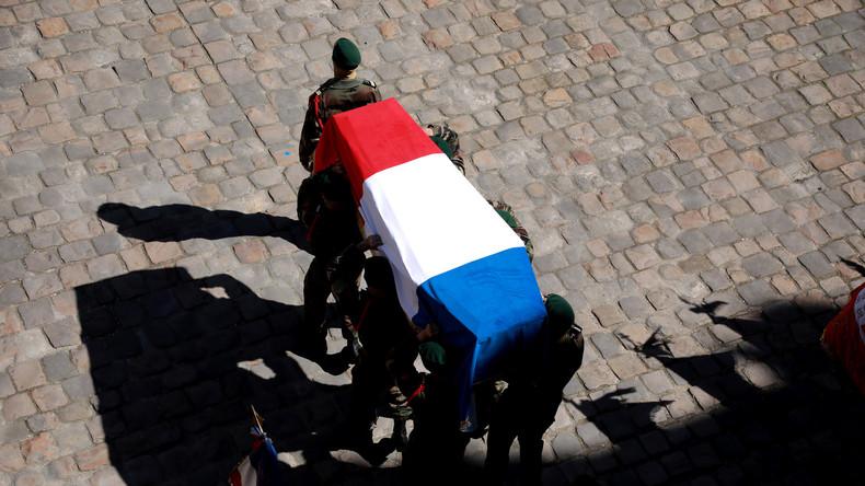 Drama in Burkina Faso: Frankreich ehrt tote Elite-Soldaten - Unverständnis für Abenteuer-Touristen