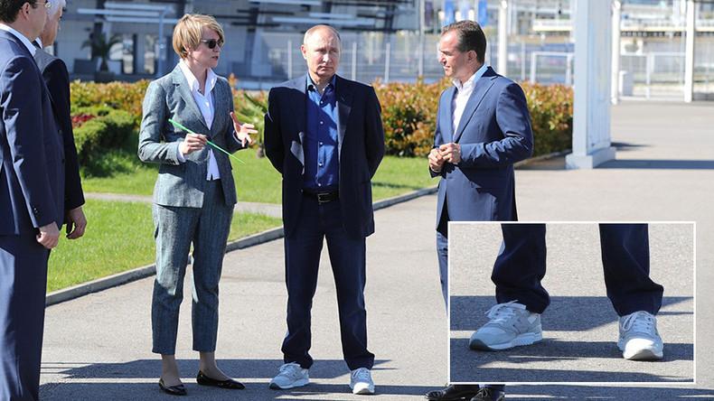 """""""Putin, du Hipster!"""" - Russischer Präsident sorgt mit weißen New Balance-Sneakern für Furore im Netz"""