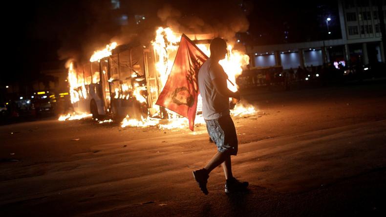 """""""Nützliche Idioten"""" – Landesweite Proteste inBrasiliengegen Sparpläne bei Bildung"""