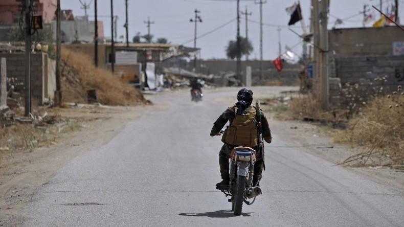 Bayerischer Innenminister warnt vor Bedrohung durch zurückkehrende IS-Kämpfer