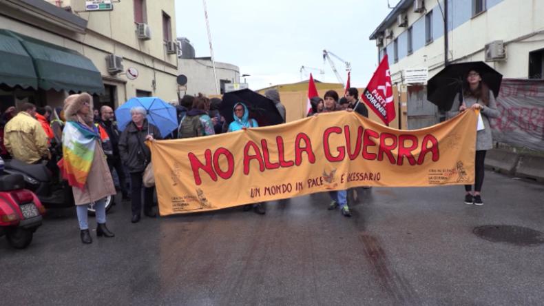 Italien - Genua: Hafenarbeiter streiken aus Protest gegen saudische Waffenlieferungen