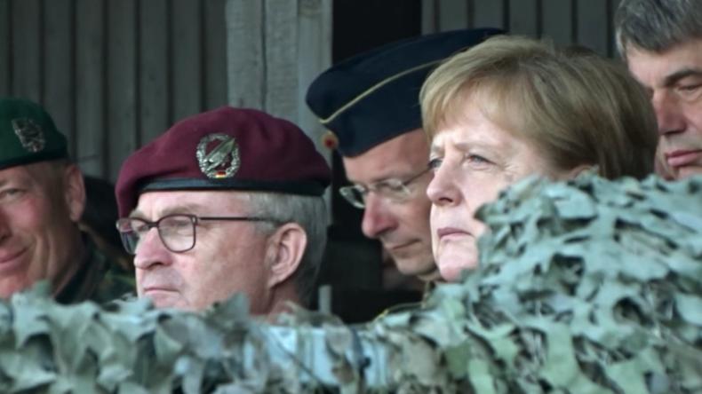 Munster: Merkel nimmt an NATO-Übung der schnellen Eingreiftruppe teil