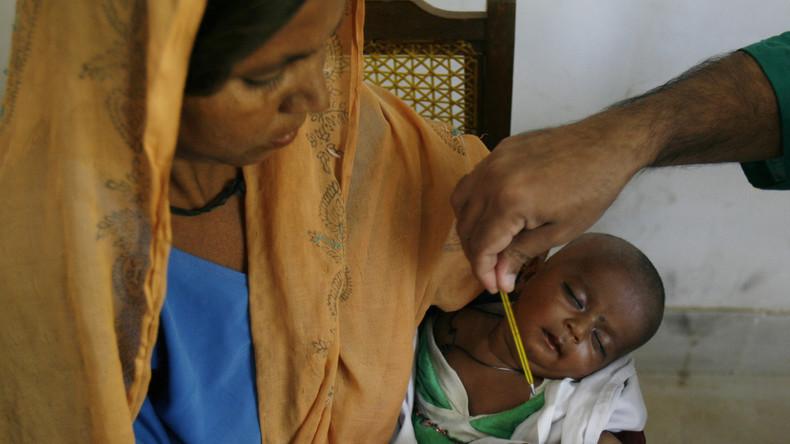 Pakistan: Hunderte Säuglinge und Kleinkinder durch falsche Ärzte mit HIV infiziert