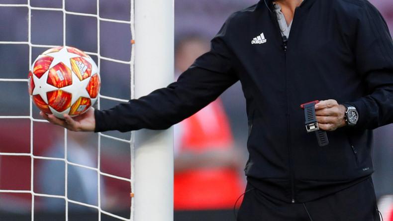 Alles Fußballregel-konform: Schiedsrichter erzielt bei Spiel in Holland ein Tor