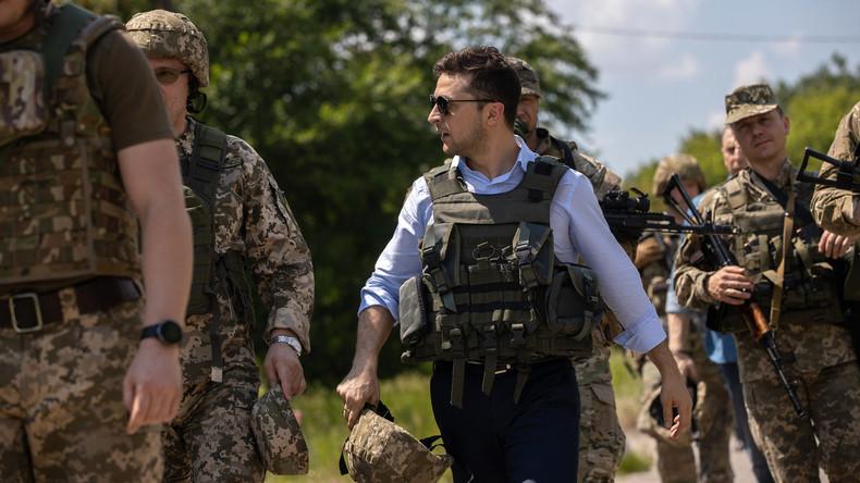 400 Meter vor der Frontlinie: Präsident Selenskij besucht erstmals Donbass