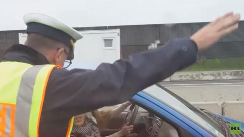 """""""Wollen Sie dem Toten hallo sagen?"""" Polizisten platzt wegen Gaffern der Kragen (Video)"""
