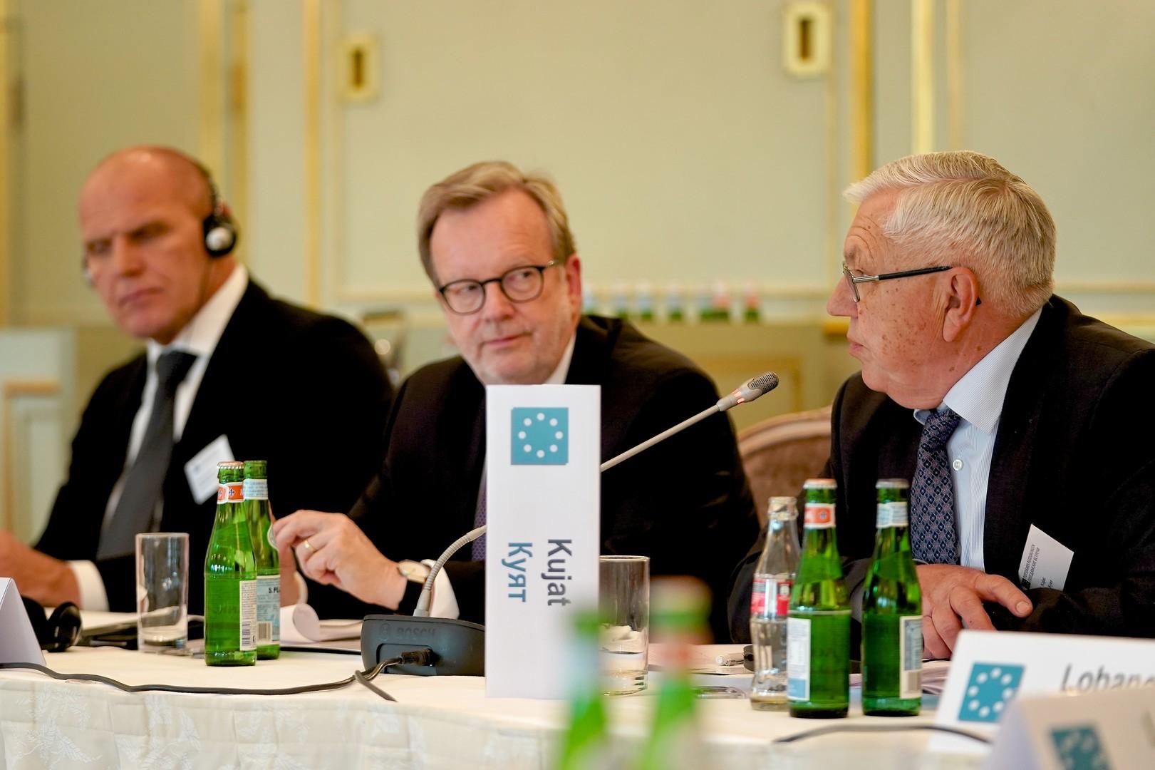"""Untätig und einseitig: Kritik an Bundesregierung bei """"Potsdamer Begegnungen"""""""