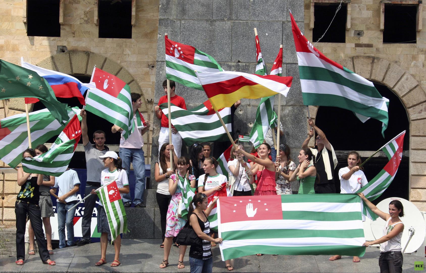 """""""Der Westen verbreitet georgische Propaganda-KIischees"""": Interview mit abchasischem Außenminister"""