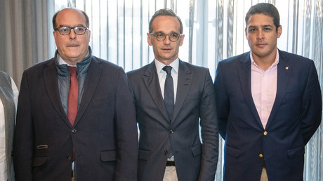 Bundesaußenminister Heiko Maas (Mitte) traf sich am 1. Mai in Bogotá, in Kolumbien, mit José Manuel Olivares (r.) und Julio Borges, beide Vertreter der venezolanischen Opposition.