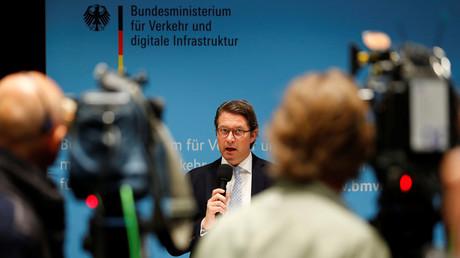 CSU-Verkehrsminister Andreas Scheuer findet Enteignungen absolut gerechtfertigt, aber nur wenn es um Straßenbau geht ...