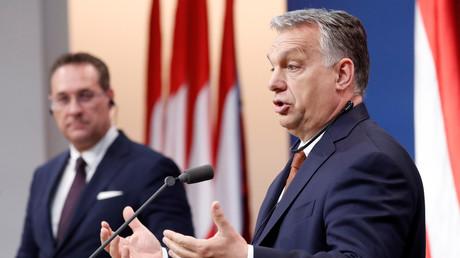 Orbán gemeinsam mit Strache bei der Pressekonferenz am Montag
