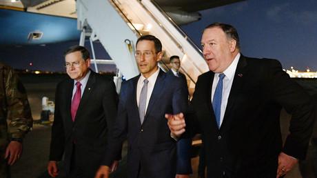 US-Außenminister Mike Pompeo reiste am 7. Mai nach Bagdad um sicherzustellen, dass der Irak US-Bürger beschützt, sollte es irgendwelche Angriffe- oder Übergriffe gegen sie geben. Dafür sagte er kurzfristig den Besuch in Berlin ab.