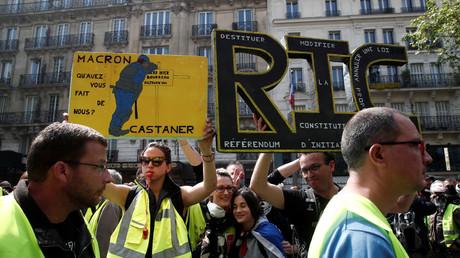 Gelbwesten-Proteste in Montparnasse, Frankreich, 1. Mai 2019.