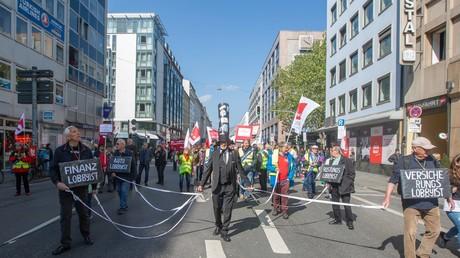 Tausende Demonstranten bei einer Gewerkschafts-Aktion gegen Lobbyismus am Tag der Arbeit, München, 1.5.2019