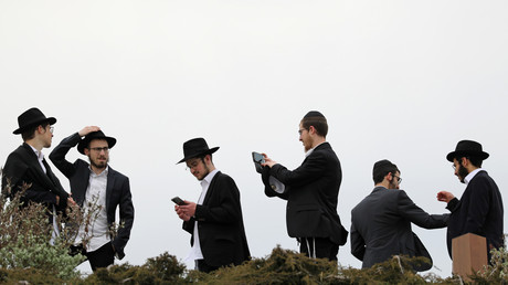 Orthodoxe Juden im Sarjadje-Park in Moskau Russland, 23. April 2019.