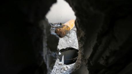 Im Mittelpunkt des Interesses: Die in Duma gefundenen gelben Zylinder, aus denen Chlorgas ausgeströmt sein soll (im Bild: