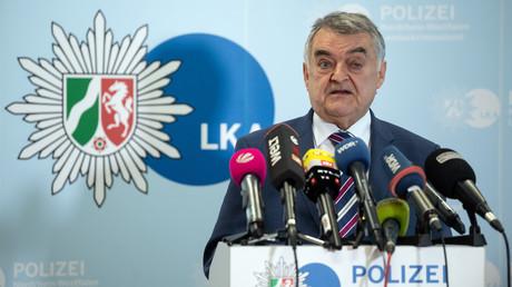 Der Innenminister von Nordrhein-Westfalen, Herbert Reul (CDU), präsentierte am 15.05.2019 in Düsseldorf das erste Lagebild der Clankriminalität in dem Bundesland.