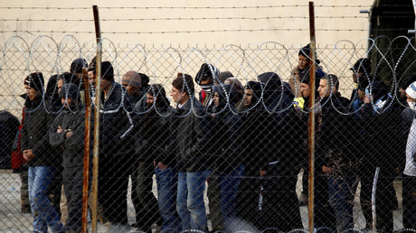 Illegale Einwanderer im Auffanglager Fylakio nordöstlich von Athen, Griechenland, 24. Dezember 2011
