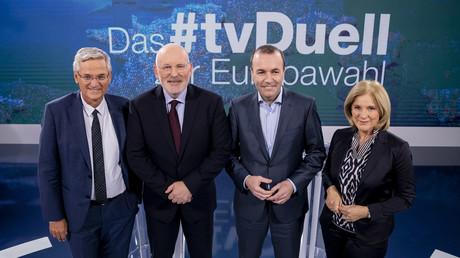 ZDF-Chefredakteur Peter Frey, Frans Timmermans, Manfred Weber und ORF-Chefredakteurin Ingrid Thurnher im ZDF-Studio.
