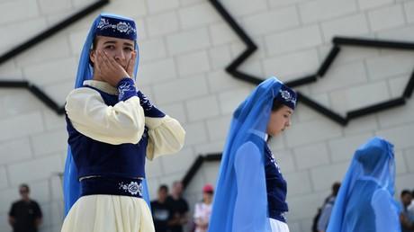 Teilnehmerinnen der Gedenkveranstaltungen zum Jahrestag der Zwangsumsiedlung der Krim-Völker.