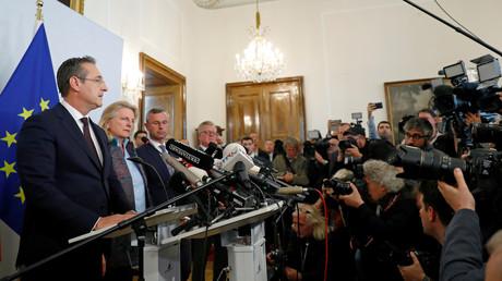 Der österreichische Vizekanzler Heinz-Christian Strache (FPÖ) trat am 18. Mai 2019 in Wien vor die Presse und gab seinen Rücktritt als Vizekanzler und Partei-Chef bekannt.