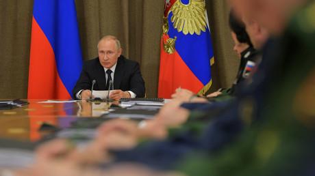 Verschwörungstheorie zur EU-Wahl erleidet Schiffbruch: Noch immer keine Spur von den Russen (Video)