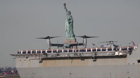 (Symbolbild: Das US-Marineschiff USS New York passiert den Hafen von New York, 22. Mai 2019)