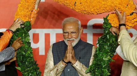 In Feierlaune: Modi am Donnerstag vor seinen Anhängern