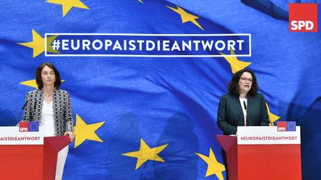 EU-Spitzenkandidatin der SPD, Katarina Barley, und die SPD-Partei- und Fraktionsvorsitzende Andrea Nahles im Willy-Brandt-Haus am Abend nach der Wahl zum EU-Parlament