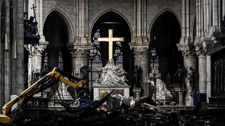Zerstörungen in der Kathedrale Notre-Dame nach dem verheerenden Brand im April, Paris. Frankreich, 15. Mai 2019.