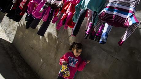 Angesichts fehlender Arbeitsmöglichkeiten in Gaza während der 12-jährigen Blockade sind immer mehr Familien und damit Kinder mit Armut konfrontiert. Mädchen im Flüchtlingslager Jabalya im nördlichen Gaza-Streifen, Palästina, März 2019.