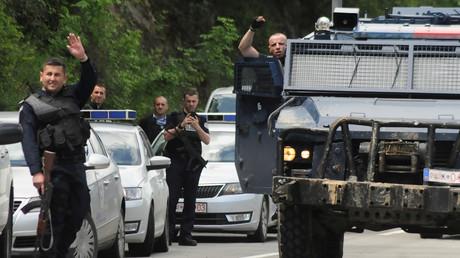 Sogenannte kosovo-albanische Polizisten in Zubin Potok.