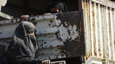 Angehörige der letzten, versprengten IS-Terroristen.