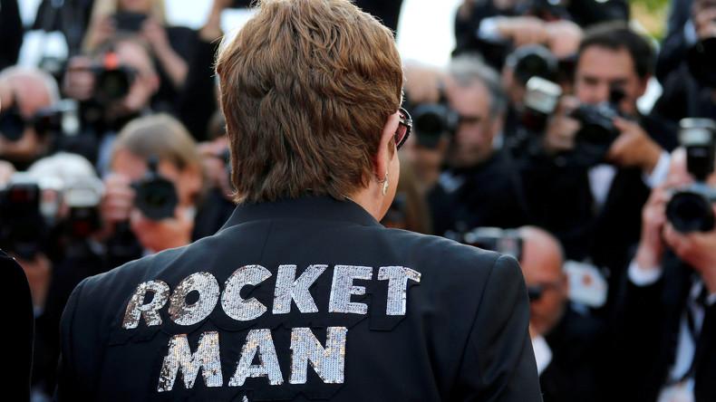 """Russische Vertriebsfirma nach Zensur schwuler Sexszenen in """"Rocketman"""" in der Kritik"""
