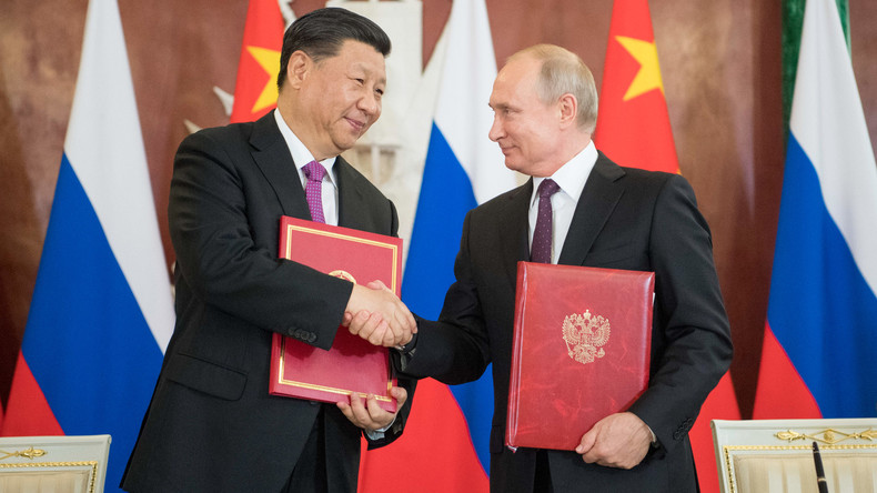 Putin und Xi schmieden festere Partnerschaft: Entdollarisierung soll beschleunigt werden