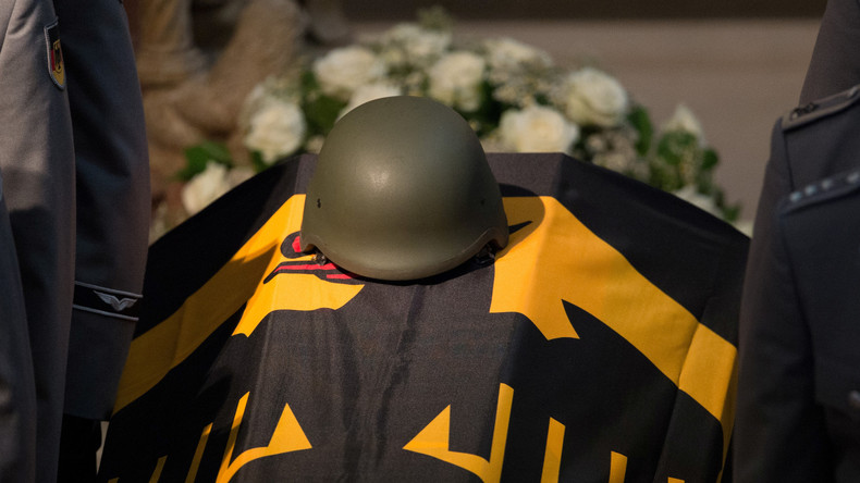 """Neues """"Soldaten-Lock-Gesetz"""": Mit sicherem Sold und mehr Pflichtbewusstsein in künftige Kriege"""