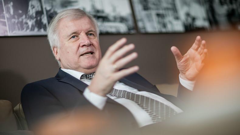 """""""Man muss Gesetze kompliziert machen"""": Empörte Reaktionen auf Seehofer-Satz"""