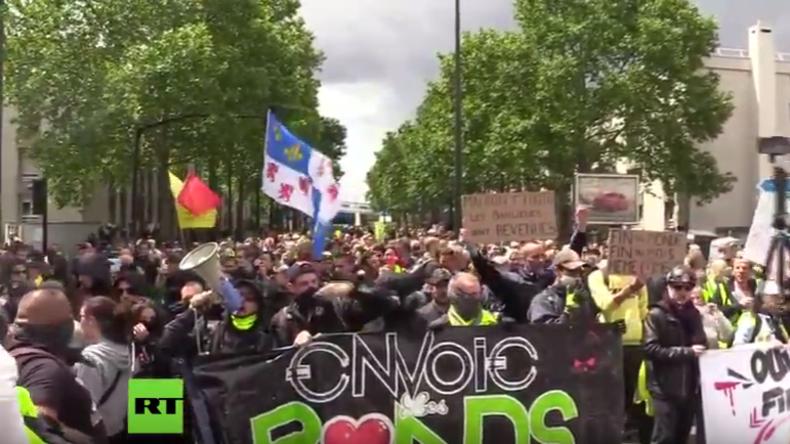 LIVE: Vororte von Paris – Gelbwesten demonstrieren zum 30. Mal in Folge