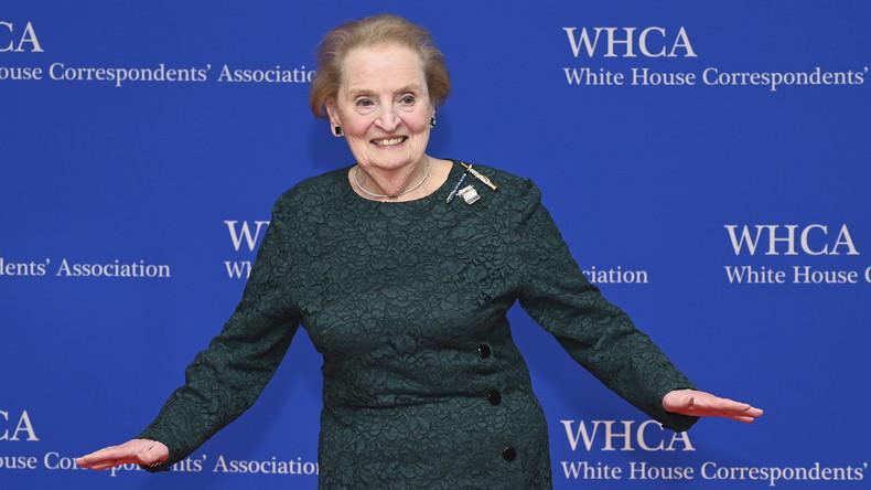 """20 Jahre nach """"Befreiung"""" des Kosovo: Ex-US-Außenministerin Albright bekommt Denkmal in Pristina"""