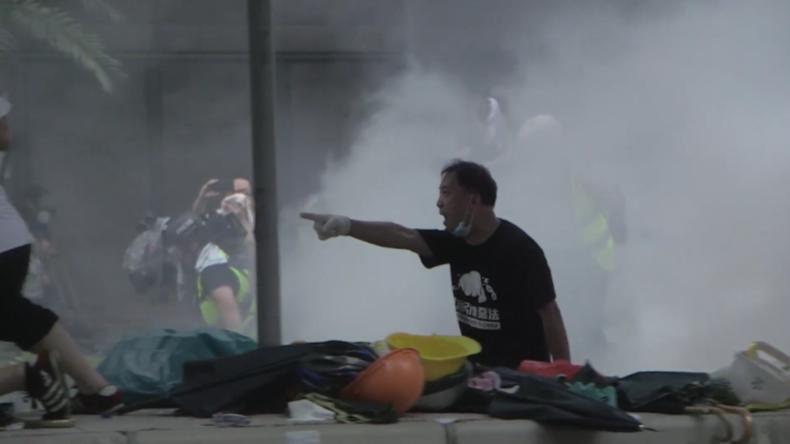 Hongkong: Gewaltausbruch zwischen Polizei und Demonstranten