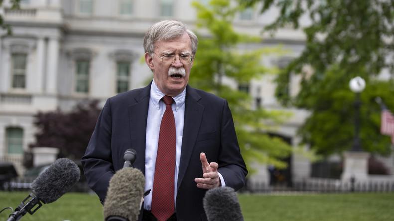 """""""Sie werden dafür bezahlen"""": USA verstärken laut Bolton  """"Cyber-Operationen"""" gegen Russland"""