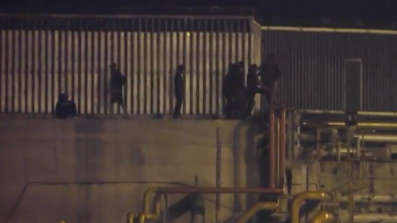 Spanische Exklave Ceuta: Dutzende Migranten liefern sich Massenschlägerei