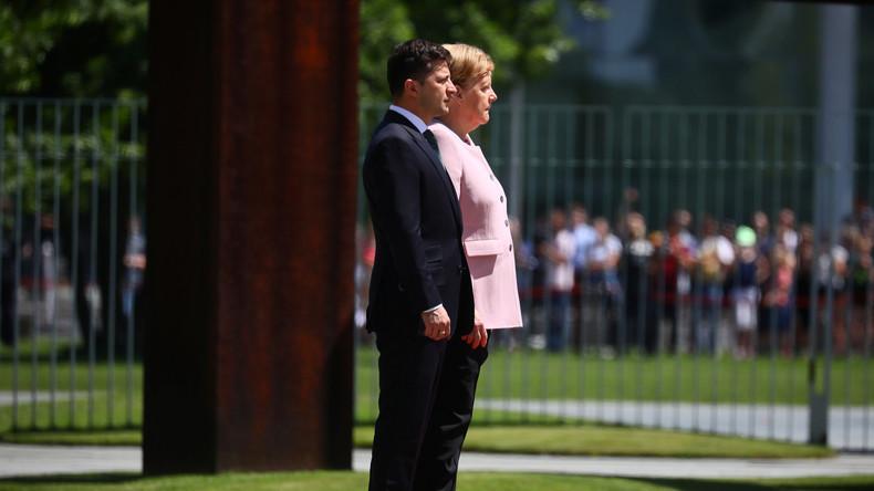 Merkel erleidet Zitteranfall bei Staatsempfang von Selenskij