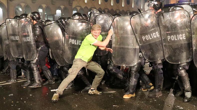 Georgien: Polizei setzt Gummigeschosse und Tränengas bei Protesten gegen Regierung ein