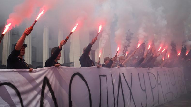 Ukraine: Bühne frei für Neonazi-Konzert in Kiew