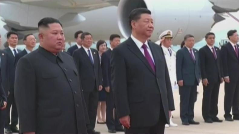 Erster Staatsbesuch seit 14 Jahren: Chinas Staatschef Xi Jinping besucht Nordkorea