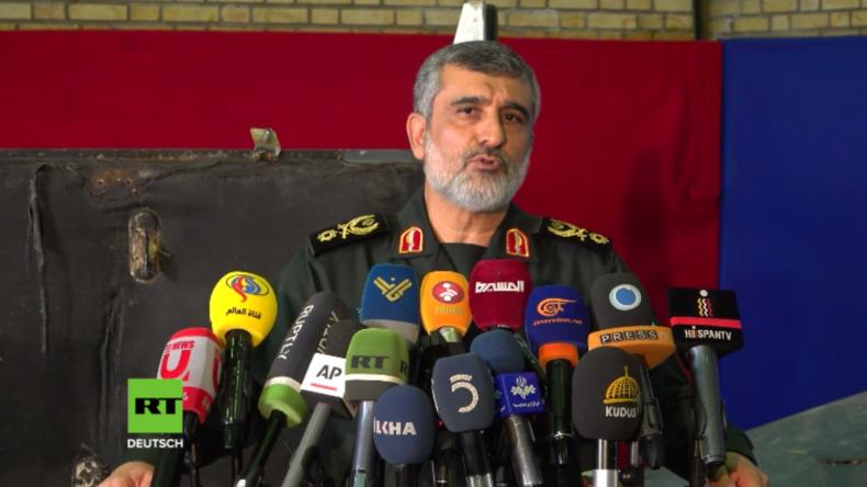 Iran präsentiert Wrackteile der abgeschossenen US-Spionagedrohne RQ-4 Global Hawk