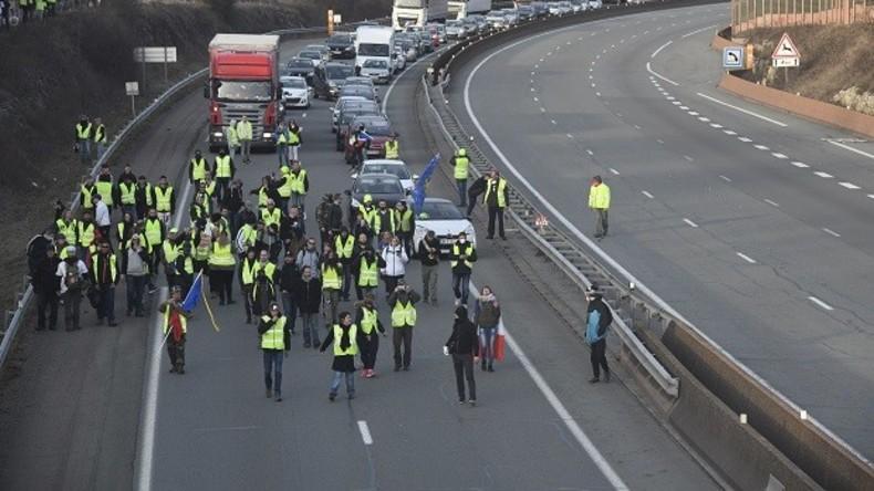 Au revoir, Paris: Gelbwesten kündigen Strategiewechsel an